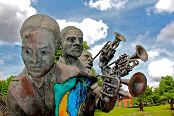 louis-armstrong-park-statue